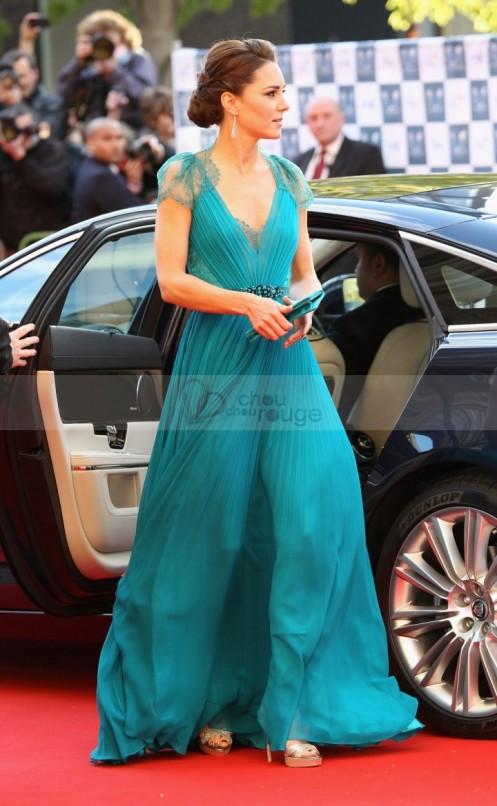 robe-de-soiree-de-star-au-dos-en-dentelle-turquoise-et-mousseline-plissee-chouchourouge