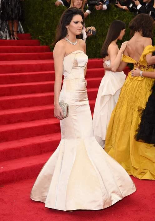 6f0a3310051 Les sublimes robes de soirée des stars au Met Gala de New York